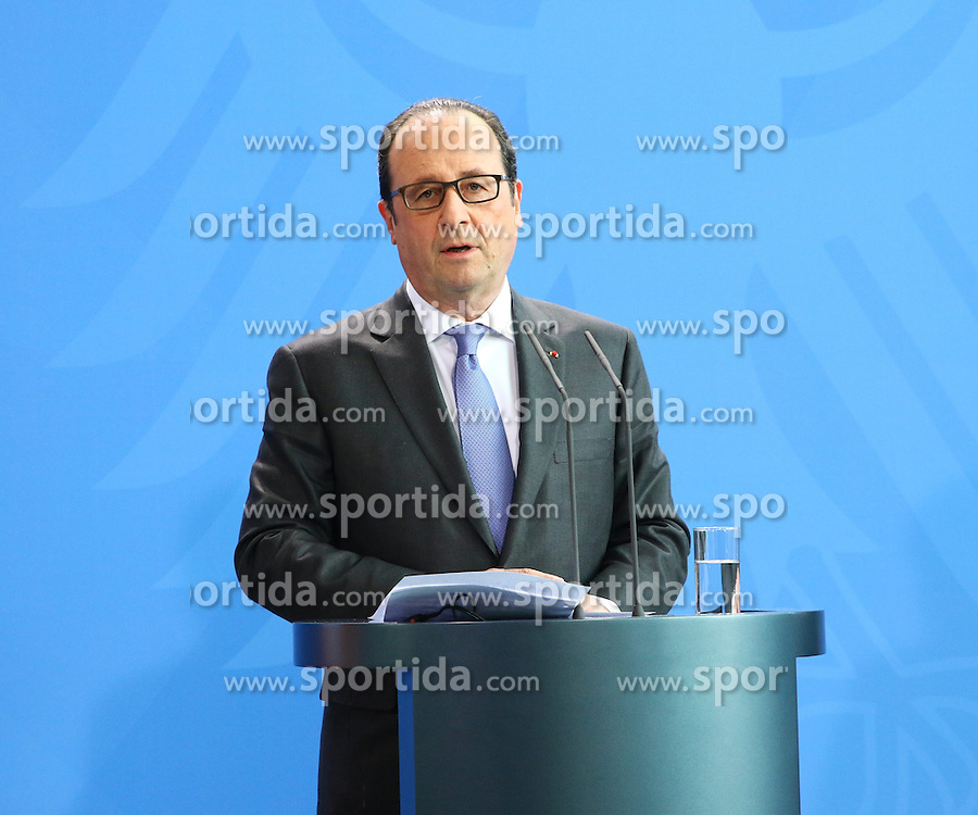 31.03.2015, Bundeskanzleramt, Berlin, GER, SPO, Staatsbesuch, Hollande, im Bild Francois Hollande, Staatspraesident Frankreich // POL during the 17th German- French Council of Ministers Bundeskanzleramt in Berlin, Germany on 2015/03/31. EXPA Pictures &copy; 2015, PhotoCredit: EXPA/ Eibner-Pressefoto/ Hundt<br /> <br /> *****ATTENTION - OUT of GER*****