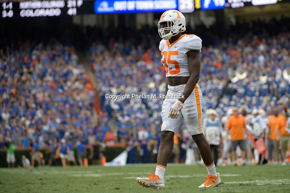 Tennessee linebacker Daniel Bituli (35) sets up for a play during the second half of an NCAA college football game against Florida Saturday, Sept. 16, 2017, in Gainesville, Fla. Florida won 26-20. (Photo by Phelan M. Ebenhack)