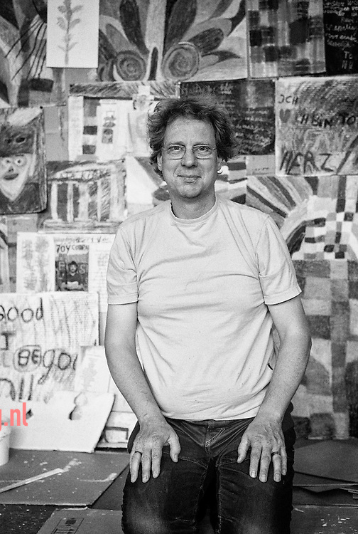 enschede, 07aug2013 Kunstenaar wouter van Scherpenberg