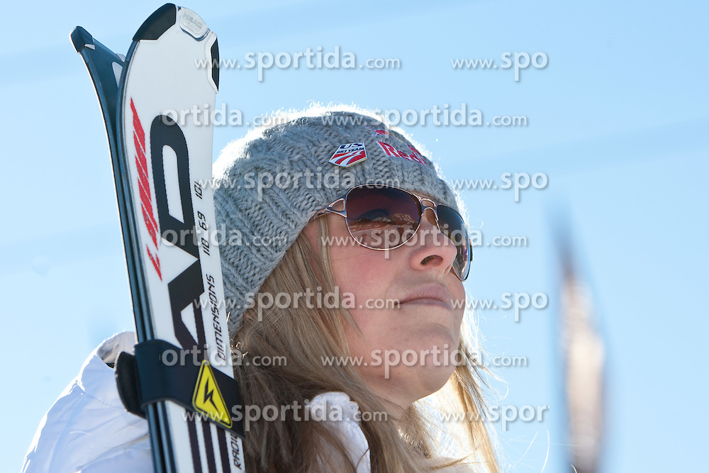 22.01.2011, Tofana, Cortina d Ampezzo, ITA, FIS World Cup Ski Alpin, Lady, Cortina, Abfahrt, im Bild Lindsey Vonn (USA, #22) // Lindsey Vonn (USA) during FIS Ski Worldcup ladies Downhill at pista Tofana in Cortina d Ampezzo, Italy on 22/1/2011. EXPA Pictures © 2011, PhotoCredit: EXPA/ J. Groder