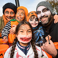 REPRO FREE<br /> Ghoulish doctor Layla Sitchon with Ania, Sophia, Zack and Hisham Chahir from Kinsale pictured at this years Kinsale Halloween parade.<br /> Picture. John Allen