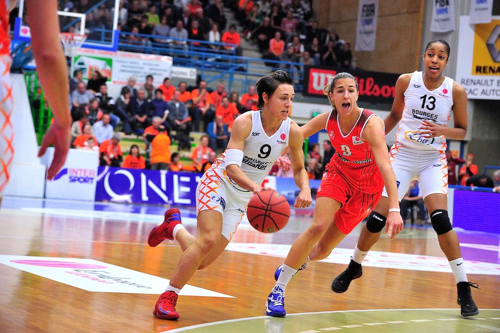 Céline Dumerc lors du match opposant Rivas Ecopolis Basket Madrid à l'équipe Bourges Basket, le 07 Novembre 2012 au Palais des Sports du Prado.