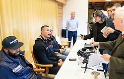 11.11.2015, Stanglwirt, Going, AUT, Wladimir Klitschko, Pressekonferenz, Kampfvorbereitung gegen Tyson Fury (GBR), im Bild v.l.: Trainer Johnathon Banks und der WBA, WBO, IBO und IBF-Schwergewichts-Box-Weltmeister Wladimir Klitschko (UKR) und sein Manager Bernd Bönte mit Journalisten // f.l.: Coach Johnathon Banks and the Ukrainian WBA, WBO, IBO and IBF heavyweight boxing world champion Wladimir Klitschko and his Manager Bernd Bönte with the Journalists during a pressconference at the Stanglwirt in Going, Austria on 2015/11/11. Klitschko will be challenged by British boxer Tyson Fury for the world heavyweight crown in Duesseldorf, Germany on 28 November 2015. EXPA Pictures © 2015, PhotoCredit: EXPA/ JFK