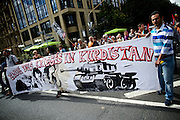 Frankfurt am Main | 30 Aug 2014<br /> <br /> Am Samstag (30.08.2014) demonstrierten &uuml;ber 200 Aktivisten aus dem Umfeld der Partei &quot;Die Linke&quot; und anderen linken und linksradikalen Zusammenh&auml;ngen gegen Krieg und f&uuml;r Frieden. Einige ukrainische Nationalisten und Aktivisten der dubiosen Montagsmahnwache in Frankfurt hatten sich unter die Friedensdemonstranten gemischt.<br /> Hier: Kurdische AktivistInnen mit einem Transparent mit der Aufschrift &quot;Ende des Krieges in Kurdistan&quot; auf der Kaiserstra&szlig;e.<br /> <br /> &copy;peter-juelich.com<br /> <br /> [No Model Release | No Property Release]