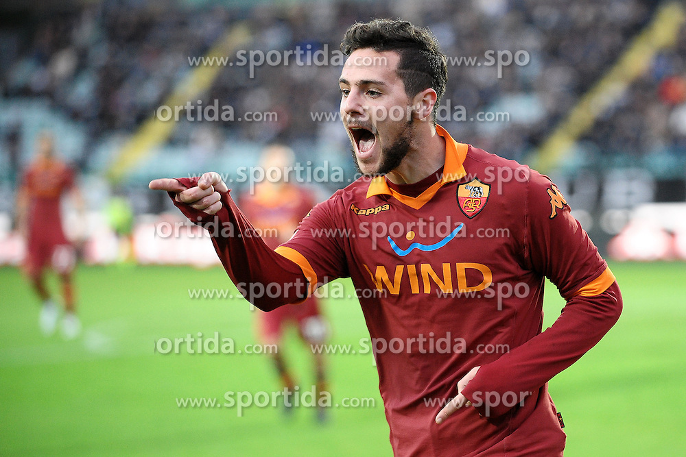 02.12.2012, Stadio Comunale Artemio Franchi, Siena, ITA, Serie A, AC Siena vs AS Rom, 15. Runde, im Bild Esultanza di Mattia Destro Roma dopo il gol 1-1.Goal celebration // during the Italian Serie A 15th round match between AC Siena and AS Roma at the Comunale Artemio Franchi Stadium, Siena, Italy on 2012/12/02. EXPA Pictures © 2012, PhotoCredit: EXPA/ Insidefoto/ Andrea Staccioli..***** ATTENTION - for AUT, SLO, CRO, SRB, BIH and SWE only *****