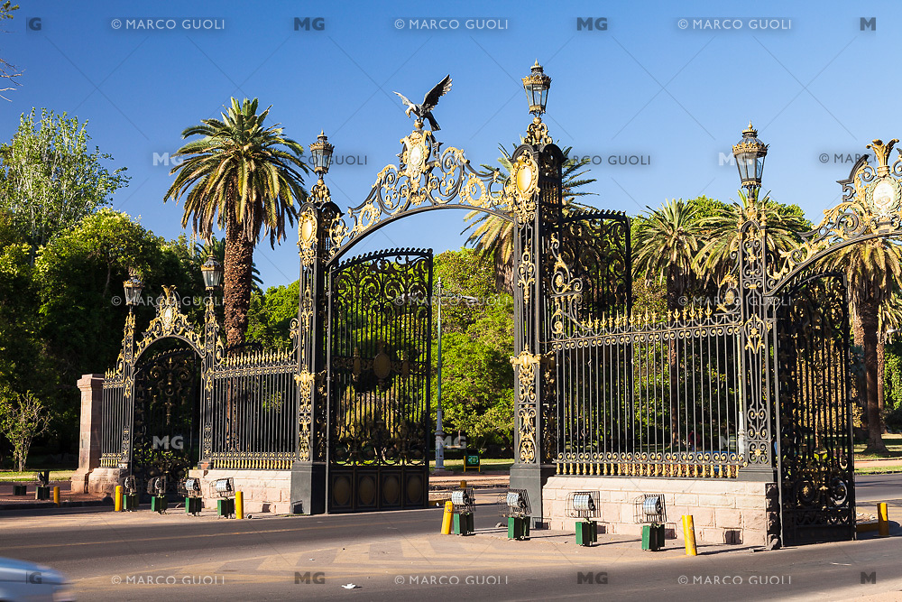 CIUDAD DE MENDOZA, PROVINCIA DE MENDOZA, ARGENTINA (PHOTO © MARCO GUOLI - ALL RIGHTS RESERVED)