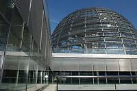 01 OCT 2003, BERLIN/GERMANY:<br /> Kuppel des Reichstages, Deutscher Bundestag<br /> IMAGE: 20031001-01-001<br /> KEYWORDS: Katrin Göring-Eckardt