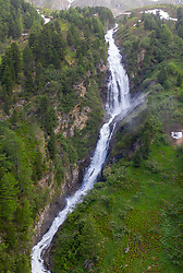 THEMENBILD – Übersicht auf das Kalsertal, Stotzbach Wasserfall, Dorfertal. Kals am Großglockner, Österreich am Samstag 15. Juni 2019 // Overview of the Kalsertal, Stotzbach waterfall, Dorfertal. Saturday, June 15, 2019 in Kals am Grossglockner, Austria. EXPA Pictures © 2019, PhotoCredit: EXPA/ Johann Groder