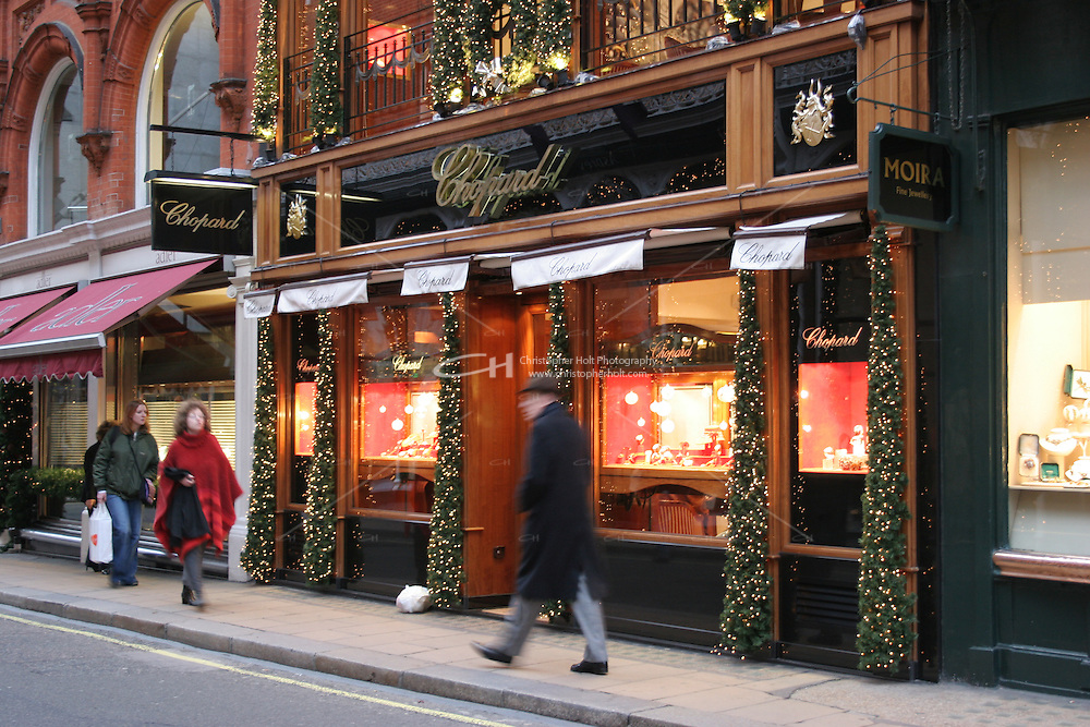chopard shop front at christmas london