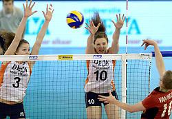 01-06-2014 NED:  Vriendschappelijk Nedeland - Belgie, Eindhoven<br /> Nederland wint met 3-2 van Belgie / Yvon Belien, Lonneke Sloetjes