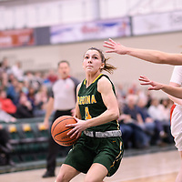 3rd year guard Avery Pearce (4) of the Regina Cougars during the Women's Basketball home game on January 27 at Centre for Kinesiology, Health and Sport. Credit: Arthur Ward/Arthur Images