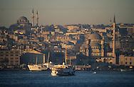 Turkey. Istanbul. port on the Bosphore,          /  Le port d'Istamboul, sur le Bosphore, Turquie    Mediteranee   /      L004579  /  R00402  /  P111969