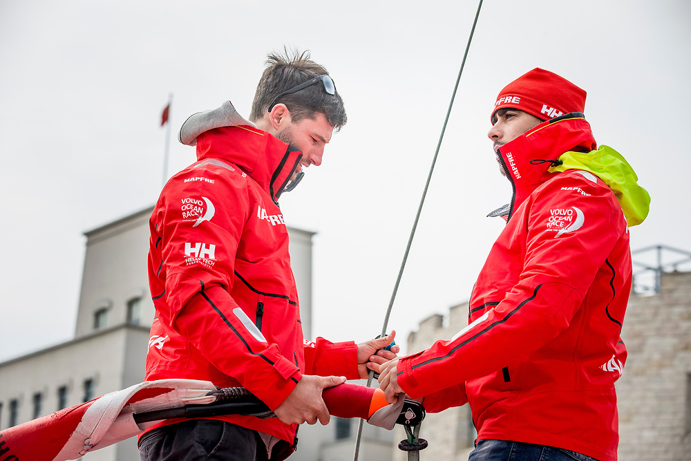 © Maria Muina I MAPFRE. Start of leg 6 from Guangzhou towards Hong Kong. Salida de la etapa 6 desde Guangzhou a Hong Kong.