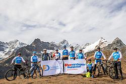 15-09-2017 ITA: BvdGF Tour du Mont Blanc day 6, Courmayeur <br /> We starten met een dalende tendens waarbij veel uitdagende paden worden verreden. Om op het dak van deze Tour te komen, de Grand Col Ferret 2537 m., staat ons een pittige klim (lopend) te wachten. Na een welverdiende afdaling bereiken we het Italiaanse bergstadje Courmayeur. Teamfoto Blue
