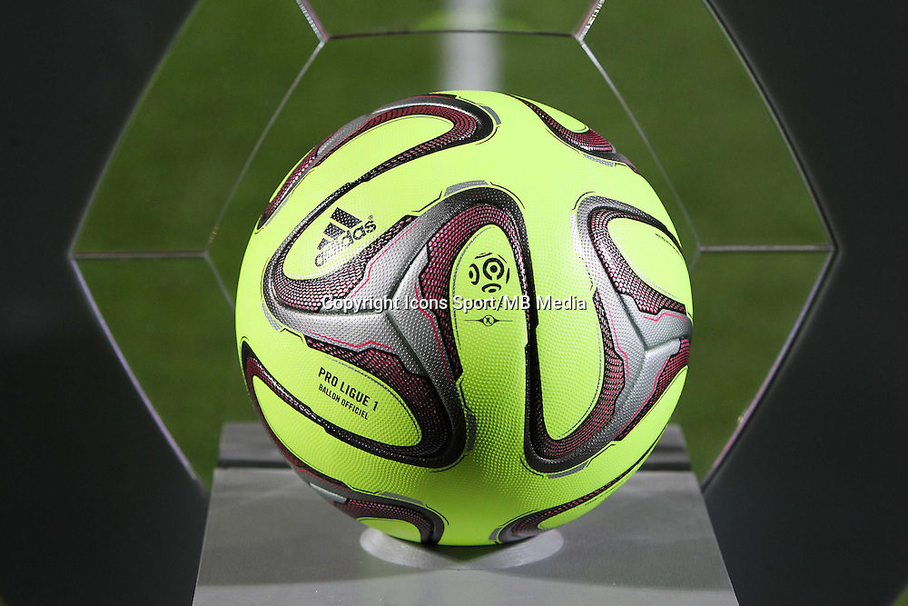 Illustration ballon officiel adidas ligue 1 - 03.12.2014 - Metz / Bordeaux - 16eme journee de Ligue 1 -<br />