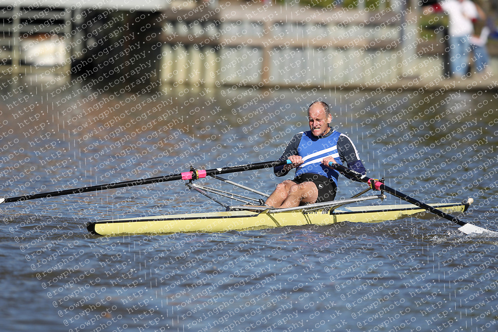 29.09.2012. Wallingford Long Distance Sculls 2012, The River Thames. Division 1. MasE 1x. Category Winner. Quintin Boat Club.