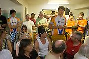Paul Denissen stelt het Human Power Team voor aan de andere deelnemers. De teams krijgen in het Super 8 Motel een briefing over de wedstrijden. In de buurt van Battle Mountain, Nevada, strijden van 10 tot en met 15 september 2012 verschillende teams om het wereldrecord fietsen tijdens de World Human Powered Speed Challenge. Het huidige record is 133 km/h.<br /> <br /> Paul Denissen introduces the HPT at the briefing in the Super 8 Motel. Near Battle Mountain, Nevada, several teams are trying to set a new world record cycling at the World Human Powered Vehicle Speed Challenge from Sept. 10th till Sept. 15th. The current record is 133 km/h.