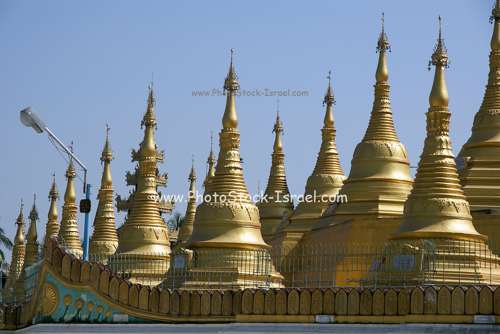 Myanmar Bago Shwemawdaw Paya (Golden God Temple)