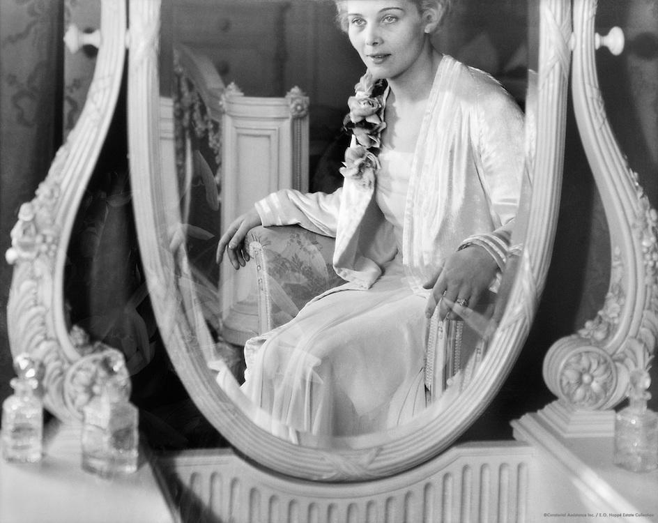 Gerda Maurus, actress, reflected in a mirror, 1928