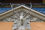 weißer Hirtsch an Hauswand, Weißer Hirsch, Dresden, Sachsen, Deutschland.|.white stag,  Weisser Hirsch, Dresden, Germany