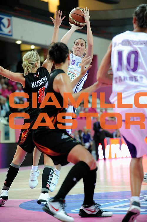 DESCRIZIONE : Ligue Feminine de Basket Open Feminin &agrave; Paris<br /> GIOCATORE : THORN Erin<br /> SQUADRA : Tarbes<br /> EVENTO : Ligue Feminine 2010-2011<br /> GARA : Tarbes Charleville Mezieres<br /> DATA : 17/10/2010<br /> CATEGORIA : Basketball France Ligue Feminine<br /> SPORT : Basketball<br /> AUTORE : JF Molliere par Agenzia Ciamillo-Castoria <br /> Galleria : France Basket 2010-2011 Action<br /> Fotonotizia : Ligue Feminine de Basket Ligue 1 Journee &agrave; Paris<br /> Predefinita :