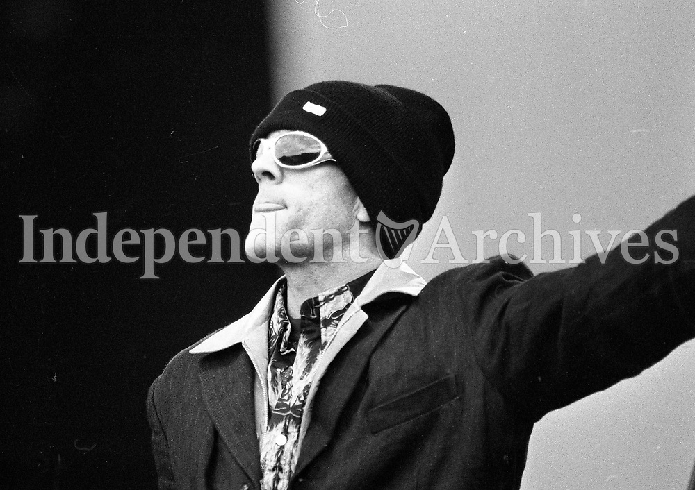Headlining act REM on stage at Slane, 22/07/1995 (Part of the Independent Newspapers Ireland/NLI Collection).