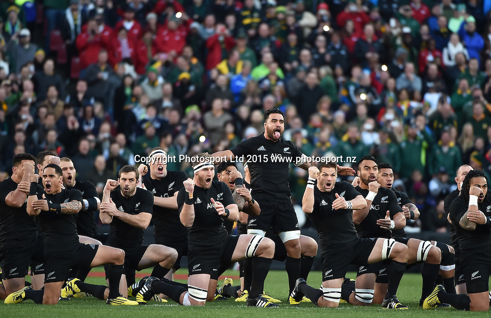 JOHANNESBURG, South Africa, 25 July 2015 : The All Blacks Haka during the Castle Lager Rugby Championship test match between SOUTH AFRICA and NEW ZEALAND at Emirates Airline Park in Johannesburg, South Africa on 25 July 2015. Bokke 20 - 27 All Blacks<br /> <br /> &copy; Anton de Villiers / SASPA