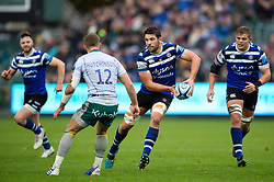 Charlie Ewels of Bath Rugby looks to pass the ball - Mandatory byline: Patrick Khachfe/JMP - 07966 386802 - 09/11/2019 - RUGBY UNION - The Recreation Ground - Bath, England - Bath Rugby v Northampton Saints - Gallagher Premiership