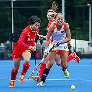 UTRECHT - hockey dames Nederland - China, oefen interland Olympische Spelen, 24-6-2012, Kampong Complex, Maartje Paumen (R).