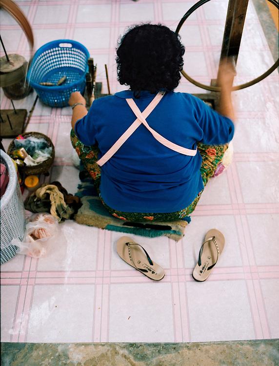 Hiil tribe weavers at Doi Tung Development Project