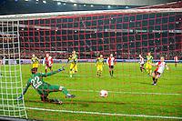 ROTTERDAM - Feyenoord - ADO Den Haag , Voetbal , KNVB Beker , Seizoen 2016/2017 , De Kuip , 14-12-2016 , Feyenoord speler Dirk Kuyt (r) schiet de penalty langs ADO Den Haag speler Robert Zwinkels (l) voor de 2-0