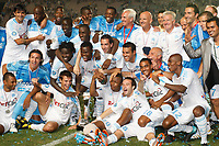 FOOTBALL - TROPHEE DE CHAMPIONS 2010 - OLYMPIQUE MARSEILLE v PARIS SAINT GERMAIN - 28/07/2010 - PHOTO PHILIPPE LAURENSON / DPPI - JOY OM AFTER MATCH WITH TROPHY