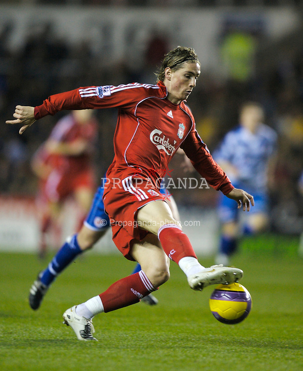 Reading, England - Saturday, December 8, 2007: Liverpool's Fernando Torres in action against Reading during the Premiership match at the Madejski Stadium. (Photo by David Rawcliffe/Propaganda)