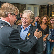 NLD/Naarden/20150907 - Topkok Paul Fagel is in zijn restaurant Het Arsenaal in Naarden benoemd tot Ridder in de Orde van Oranje Naussau. Hij krijgt de onderscheiding voor zijn verdiensten als meesterchef en docent. De onderscheiding ontving hij uit handen van de burgemeester van Stichtse Vecht, Marc Witteman. Dit omdat Paul Fagel woonachtig is in Vreeland.