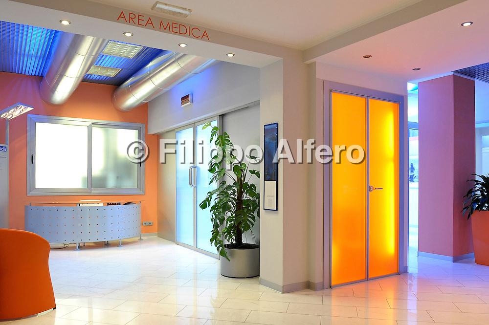 &copy; Filippo Alfero<br /> Sicor - studio dentistico<br /> Torino, 06/07/2010