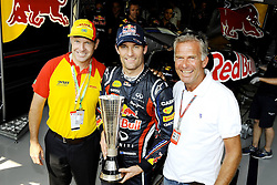25.11.2011 Autodromo Jose Carlos Pace, Sao Paulo, BRA, F1 Grosser Preis von Brasilien, im Bild DHL Fastest Lap Trophy Winner Mark Webber (AUS), Red Bull Racing - Joakim Thrane DHL Brazil - Christian Danner (GER) DHL Ebassador // during the Formula One Championships 2011 Large price of Abu Dhabi held at the Yas-Marina-Circuit, 2011/11/12. EXPA Pictures © 2011, PhotoCredit: EXPA/ nph/ Dieter Mathis..***** ATTENTION - OUT OF GER, CRO *****