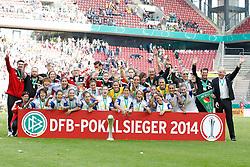 """17.05.2014, Rhein-Energie Stadion, Koeln, GER, DFB Pokal, Frauen, 1. FFC Frankfurt vs SGS Essen, Finale, im Bild Die Mannschaft des FFC Frankfurt vor dem DFB Pokalsieger Plakat<br /> <br /> rechts: Manage, Investor Siegfried """"Siggi"""" Dietrich und Trainer Colin Bell (1. FFC Frankfurt) // during the woman DFB Pokal final match between 1. FFC Frankfurt and SGS Essen at the Rhein-Energie Stadion in Koeln, Germany on 2014/05/17. EXPA Pictures © 2014, PhotoCredit: EXPA/ Eibner-Pressefoto/ Schueler<br /> <br /> *****ATTENTION - OUT of GER*****"""