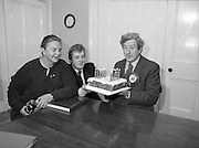 Garret Fitzgerald Birthday.1982.09.02.1982..02.09.1982..9th February 1982.Garret Fitzgerald celebrates his 56th birthday.Garret ,his wife Joan and son, Mark take time to clebrate his birthday at their Palmerstown home.    .