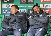 FUSSBALL   1. BUNDESLIGA   SAISON 2010/2011   8. SPIELTAG SV Werder Bremen - SC Freiburg                            16.10.2010 Daniel JENSEN (li) und Claudio PIZARRO (re, beide SV Werder Bremen) auf der Ersatzbank