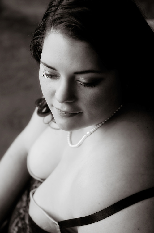 Beautiful Black and white portait of woman with pearls