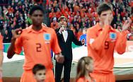17-10-2007: Voetbal: Nederland-Slovenie: Eindhoven<br /> Gerard Joling zong vanavond het volkslied'Wilhelmus'<br /> Foto: Geert van Erven