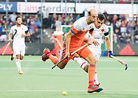 AMSTELVEEN -  Billy Bakker (Ned) tijdens Nederland-Spanje (heren) bij de Rabo EuroHockey Championships 2017.  COPYRIGHT KOEN SUYK