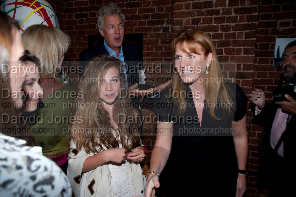 AYESHA SHAND; MARK SHAND; SARAH THE DUCHESS OF YORK, The launch party for Elephant Parade hosted at the house of  Jan Mol. Covent Garden. London. 23 June 2009.