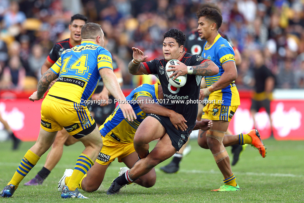 Issac Luke. Vodafone Warriors v Paramatta Eels, Round 6 of the 2017 NRL Rugby League Premiership season at Mt Smart Stadium, Auckland, New Zealand. 9 April 2017. Copyright photo: Renee McKay / www.photosport.nz