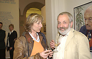 Charlotte Holdich and Mike Leigh. John Kobal photographic Portrait Awards 2002. National Portrait Gallery. 2 September 2002. © Copyright Photograph by Dafydd Jones 66 Stockwell Park Rd. London SW9 0DA Tel 020 7733 0108 www.dafjones.com