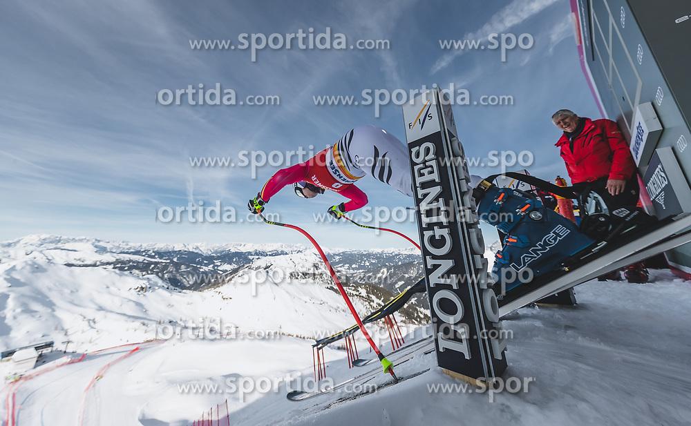 09.01.2020, Keelberloch Rennstrecke, Altenmark, AUT, FIS Weltcup Ski Alpin, Abfahrt, Damen, 1. Training, im Bild Viktoria Rebensburg (GER) // Viktoria Rebensburg of Germany in action during her 1st training run for the women's Downhill of FIS ski alpine world cup at the Keelberloch Rennstrecke in Altenmark, Austria on 2020/01/09. EXPA Pictures © 2020, PhotoCredit: EXPA/ Johann Groder