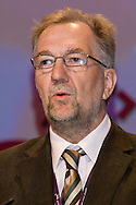 Jerry Glazier, NUT, speaking at the TUC, Brighton 2007...© Martin Jenkinson, tel 0114 258 6808 mobile 07831 189363 email martin@pressphotos.co.uk. Copyright Designs & Patents Act 1988, moral rights asserted credit required. No part of this photo to be stored, reproduced, manipulated or transmitted to third parties by any means without prior written permission
