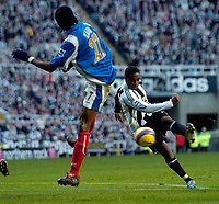 Photo: Jed Wee.<br /> Newcastle United v Portsmouth. The Barclays Premiership. 26/11/2006.<br /> <br /> Newcastle's Charles N'Zogbia cracks in a shot.