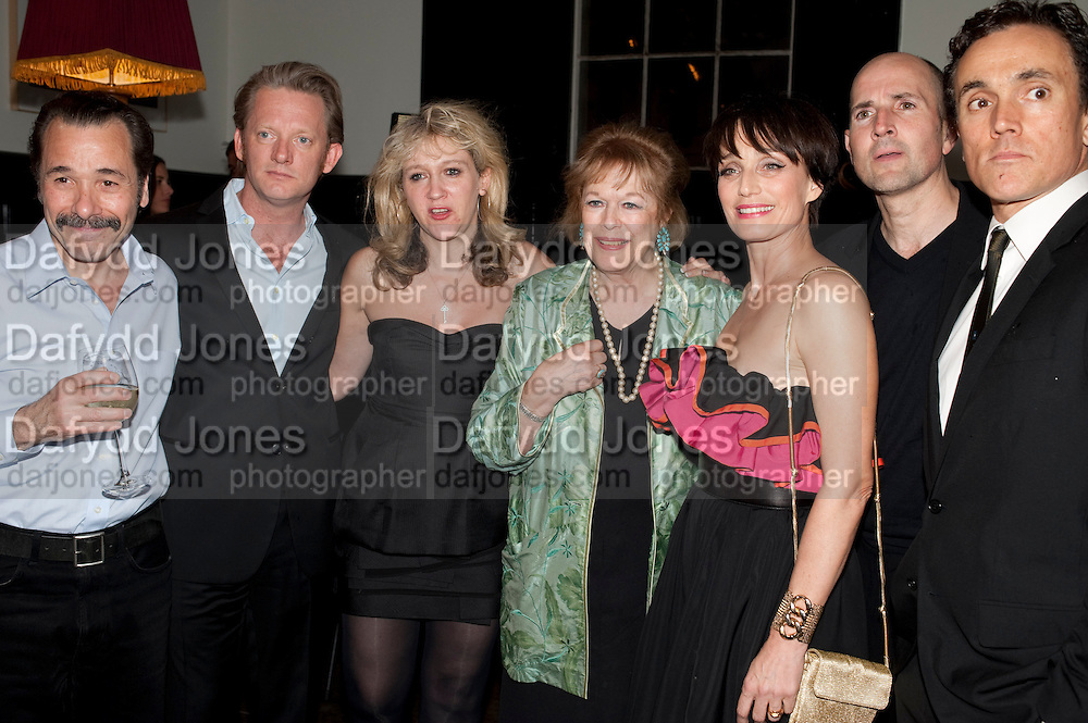 John Guerrasio, Douglas Henshall, Sonia Friedman, Lady Antonia Fraser, Kristin Scott Thomas, Alan Rickson; Ben Miles, Comedy Theatre First night party for Betrayal by Harold Pinter. National Gallery Cafe. Trafalgar Sq. London. <br /> <br />  , -DO NOT ARCHIVE-&copy; Copyright Photograph by Dafydd Jones. 248 Clapham Rd. London SW9 0PZ. Tel 0207 820 0771. www.dafjones.com.ohn Guerrasio, Douglas Henshall, Sonia Friedman, Lady Antonia Fraser, Kristin Scott Thomas, director Alan Rickson and Ben Miles,