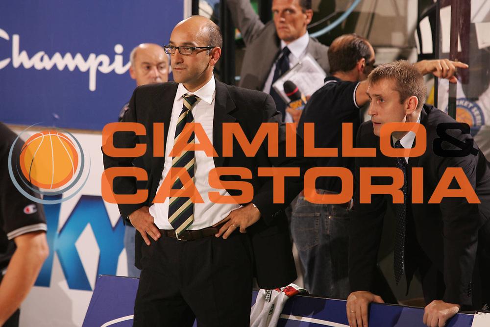DESCRIZIONE : Treviso Campionato Lega A1 2006-2007 Supercoppa Benetton Treviso Eldo Napoli<br />GIOCATORE : Vitucci Kemzura<br />SQUADRA : Benetton Treviso<br />EVENTO : Campionato Lega A1 2006-2007 Supercoppa Benetton Treviso Eldo Napoli <br />GARA : Benetton Treviso Eldo Napoli <br />DATA : 01/10/2006 <br />CATEGORIA : Ritratto<br />SPORT : Pallacanestro <br />AUTORE : Agenzia Ciamillo-Castoria/M.Marchi
